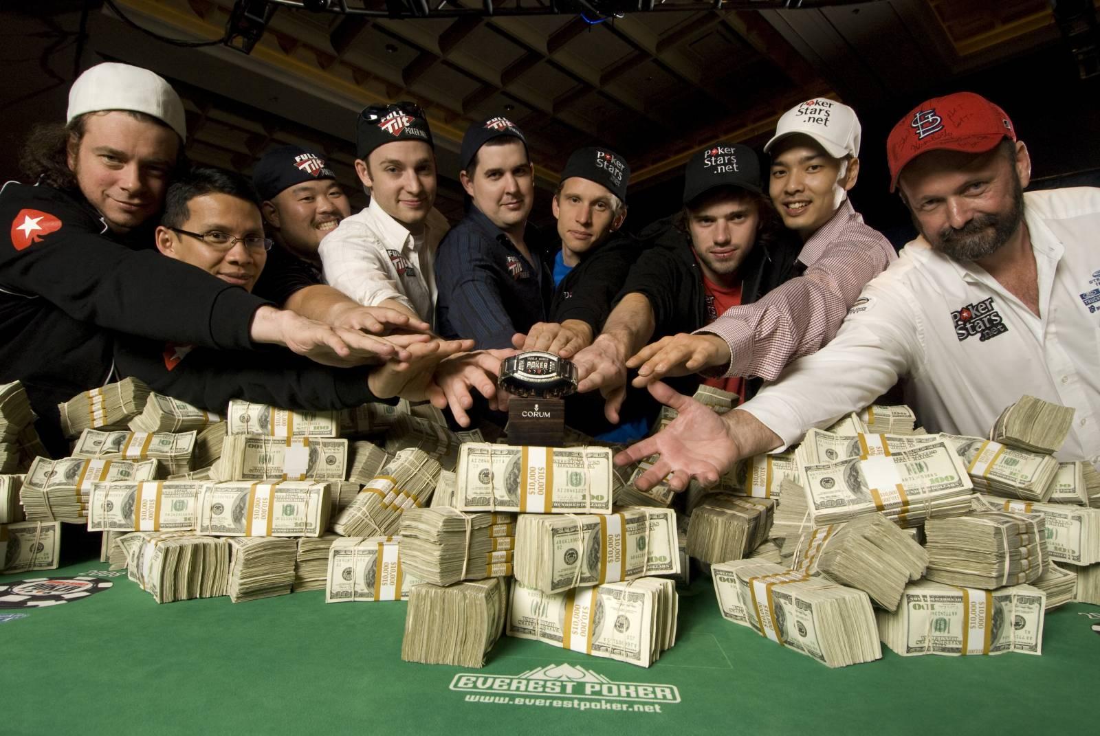 Как конвертировать покерный опыт в реальные деньги
